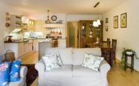 Rustikální skríň a nábytek s kuchyňskou linkou