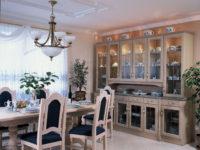jídelna rustikální vitrína