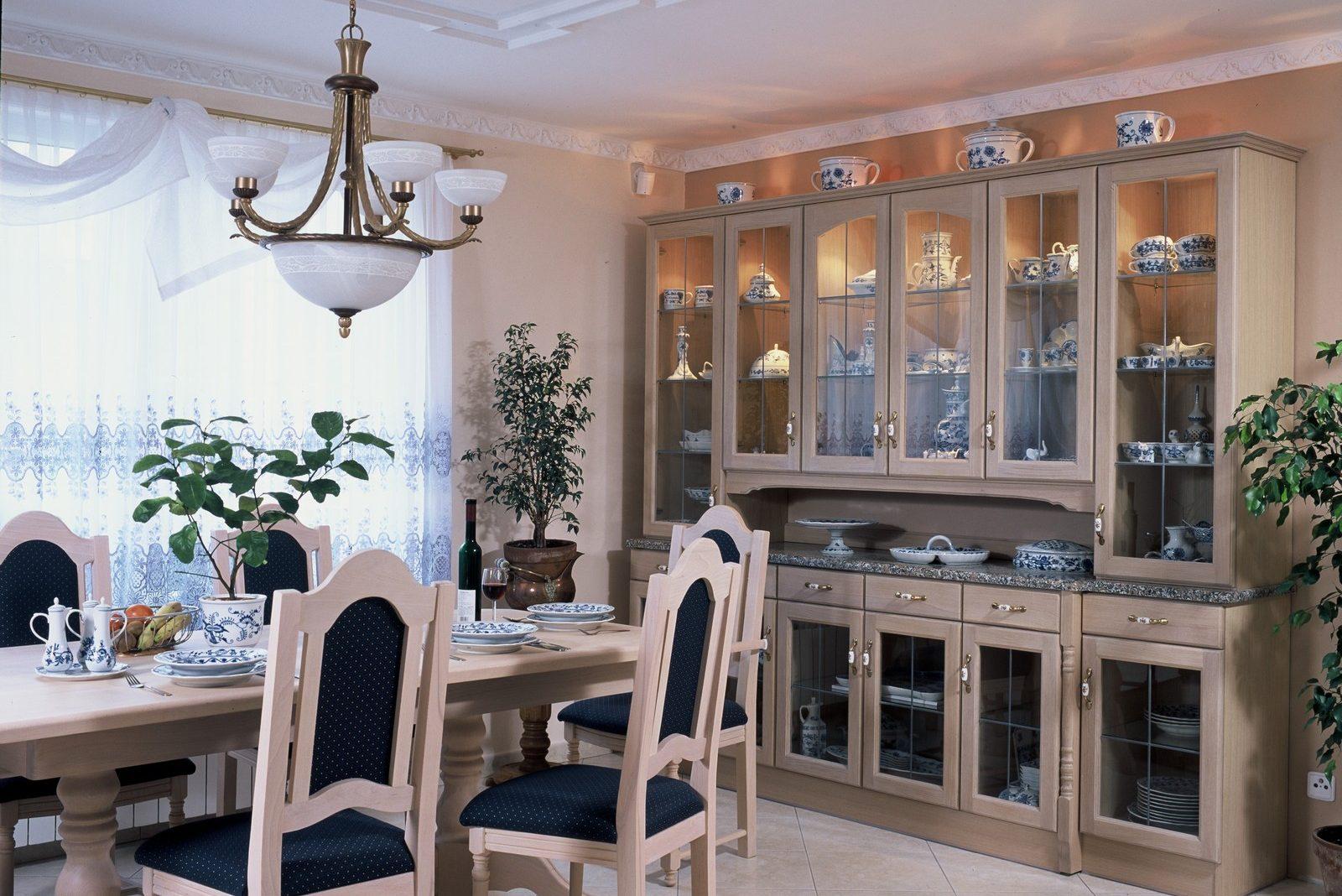 Jídelna rustikální nábytek