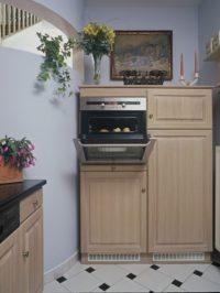 Kuchyňská skříň s vestavěnou troubou
