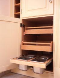 výsuvné kuchyňské zásuvky