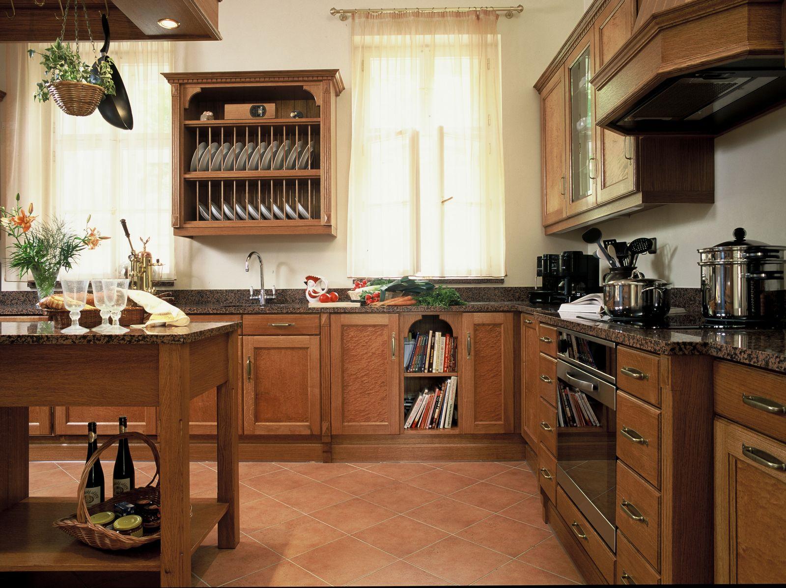 Koloniální rustikální kuchyně dřevěná