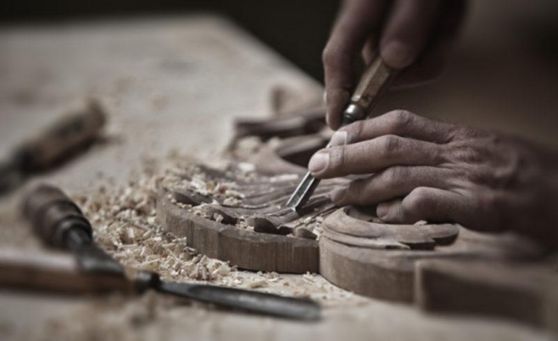 řezbářská práce výroba nábytku